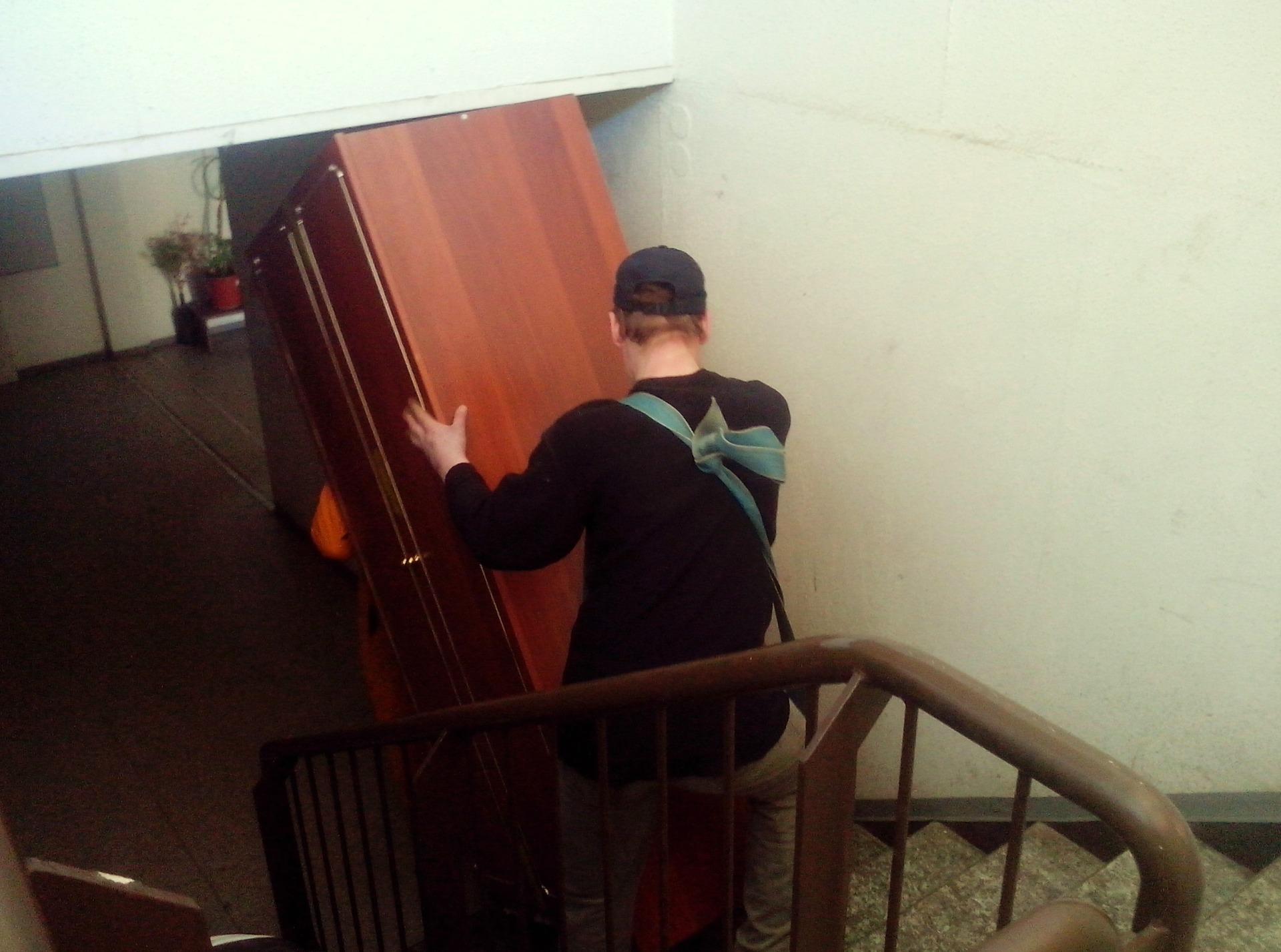 Перевозка мебели во Владивостоке